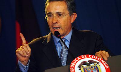Alvaro Uribe pierde en el Congreso colombiano opción a reelegirse
