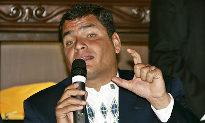 Presidente Rafael Correa, baja su popularidad por prepotente y autoritario