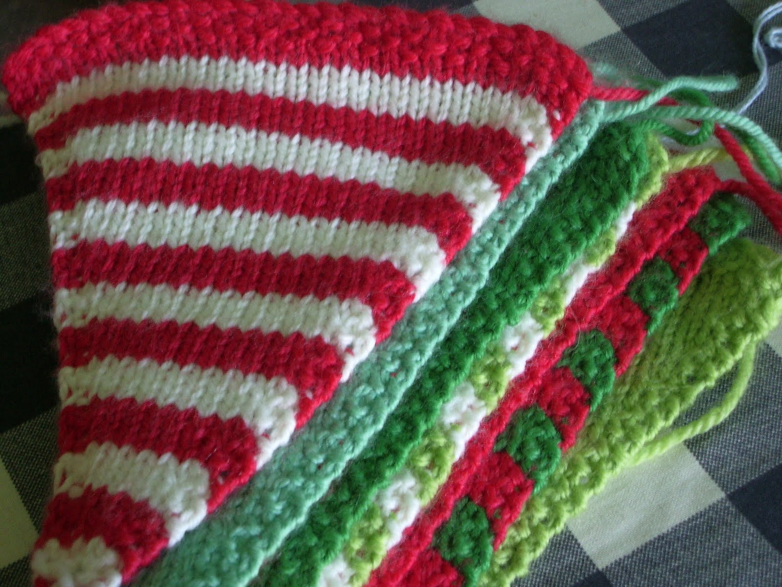 Knitting Pattern Christmas Bunting : little woollie: Hand made Christmas Challenge......