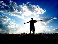 Abra os braços e espera em Deus