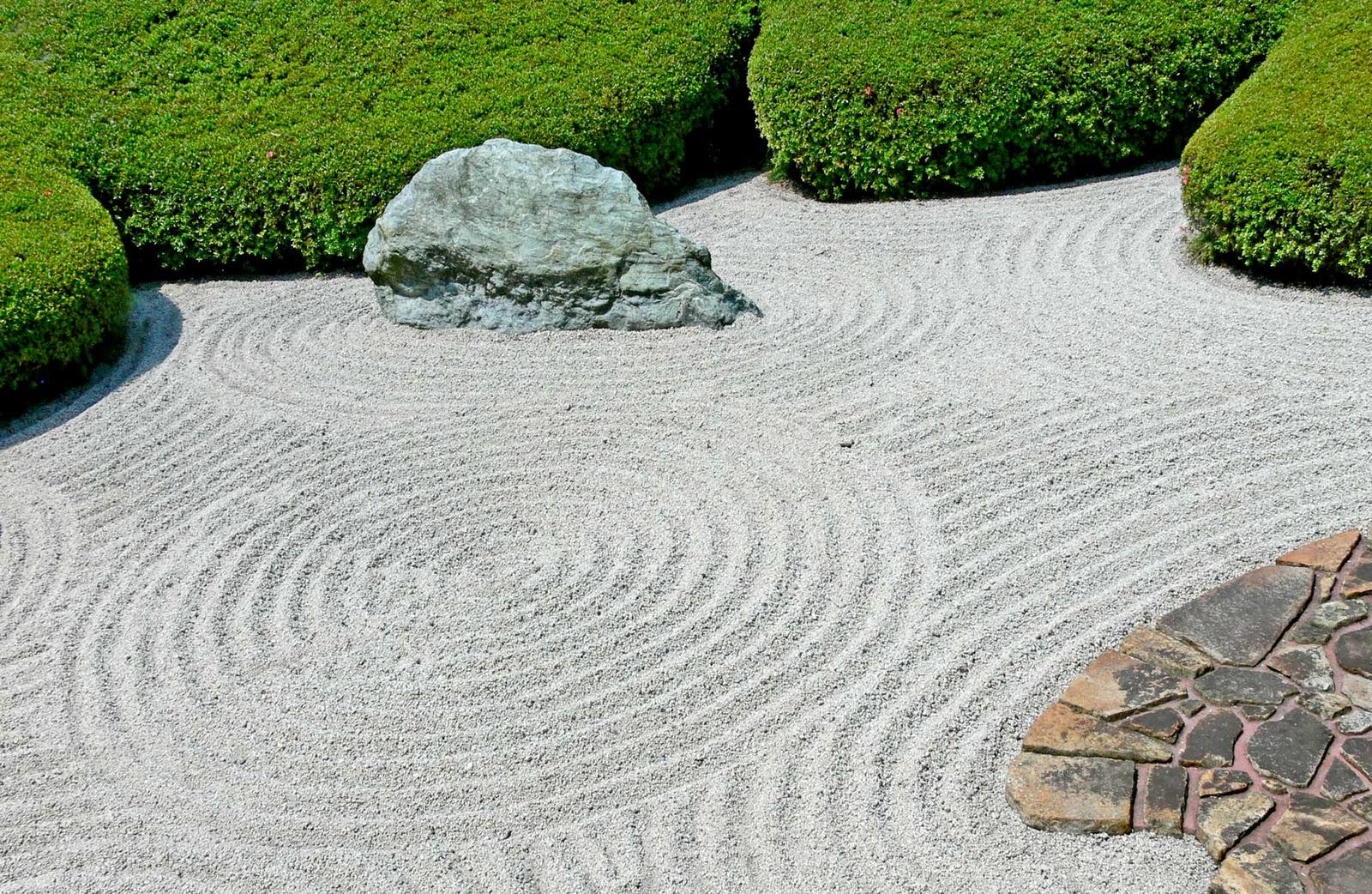 Larry 39 s ramble 2010 10 10 for Japanese sand garden