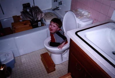 http://3.bp.blogspot.com/_t2RMCYLcY3U/TRs5XHxyANI/AAAAAAAAACE/Zau-OGbZIG8/s1600/funny-picture-photo-child-toilet-massdistraction-pic.jpg