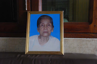 >Daw Mi Mi (wife of late Saya Rajan) passed away at 93""