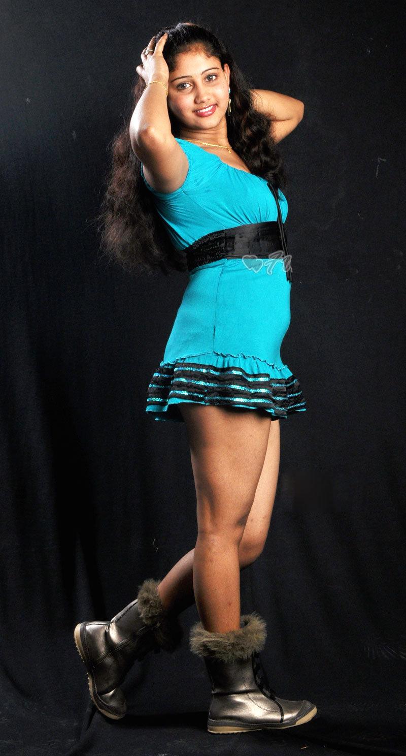 http://3.bp.blogspot.com/_t34W_TUAk0M/S_jX8HWET8I/AAAAAAAADYY/Zp_HTr4HNDk/s1600/amrutha_valli_blue_dress_27.jpg