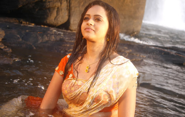 bhavana sexy hot wet stills Photos