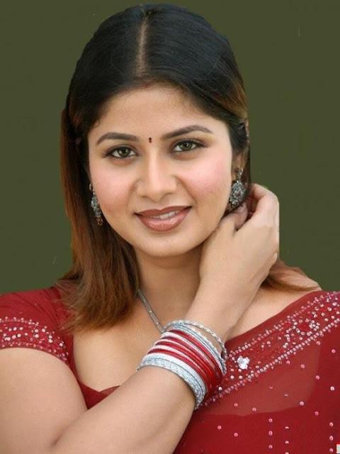 sangeetha hot in saree