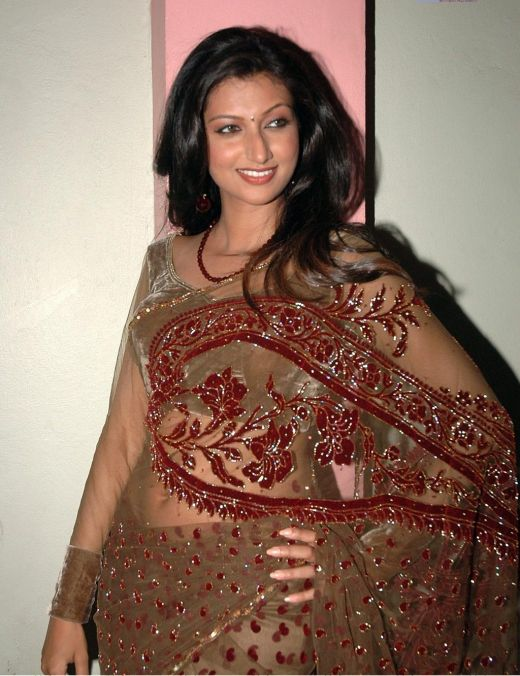 Hamsa Nandini Glamourous In Saree Photoshoot images