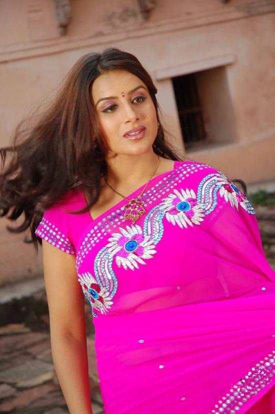 http://3.bp.blogspot.com/_t34W_TUAk0M/TADLGunuqfI/AAAAAAAADd4/LPI2Nguo5fI/s1600/Pooja_Gandhi_Stills_009.jpg