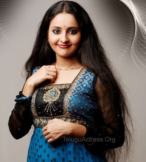 bhama hot photos