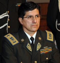 El general Fausto Franco fue designado como nuevo comandante de Policía/ Cortesia Presidencia QUITO.- Fausto Patricio Franco fue oficializado esta tarde ... - Fausto-Franco