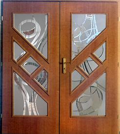 Uşi din lemn