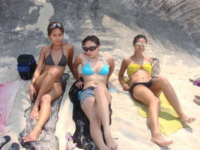 Lovely faces Sexy Girls at the Beach