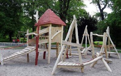 desde dise y fabrica juegos de aventura espacios recreativos y de ocio para nios de diferentes edades sus estructuras de juego son