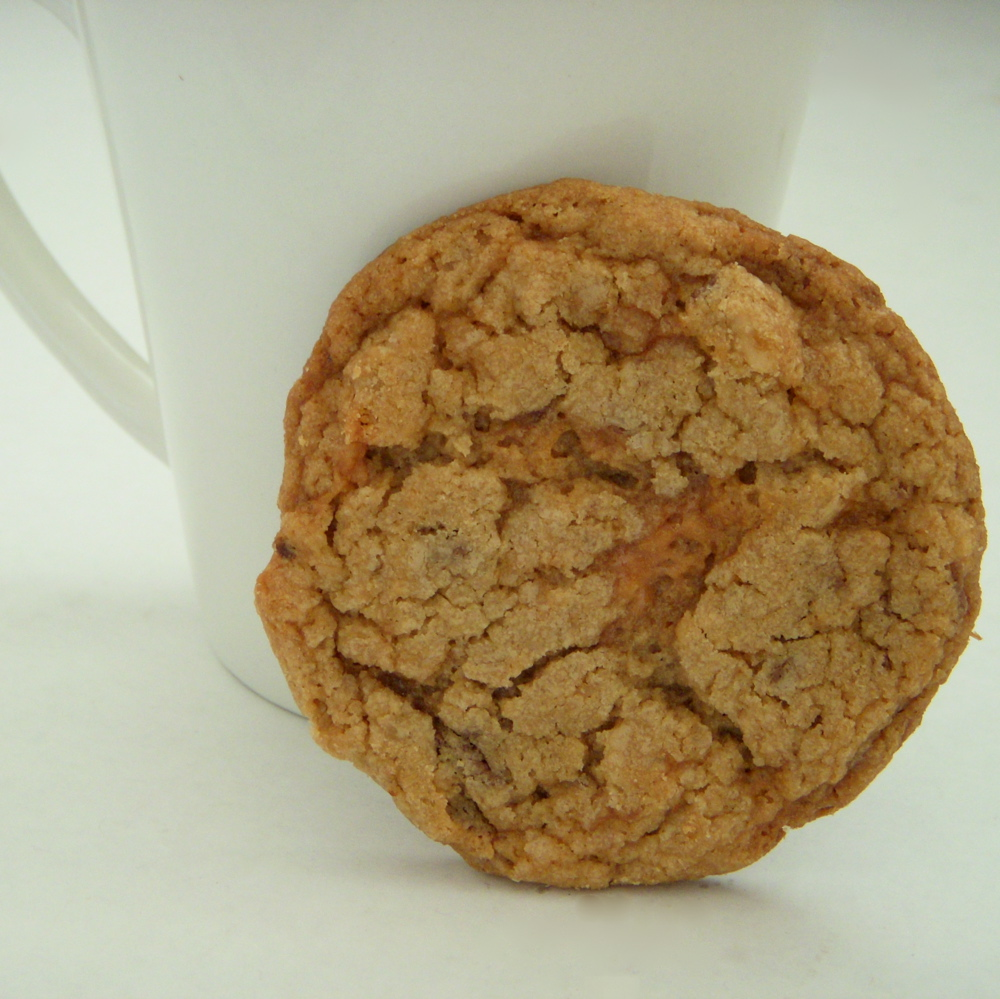Peanut Butter Butterfinger Cookies | Peace of Cake