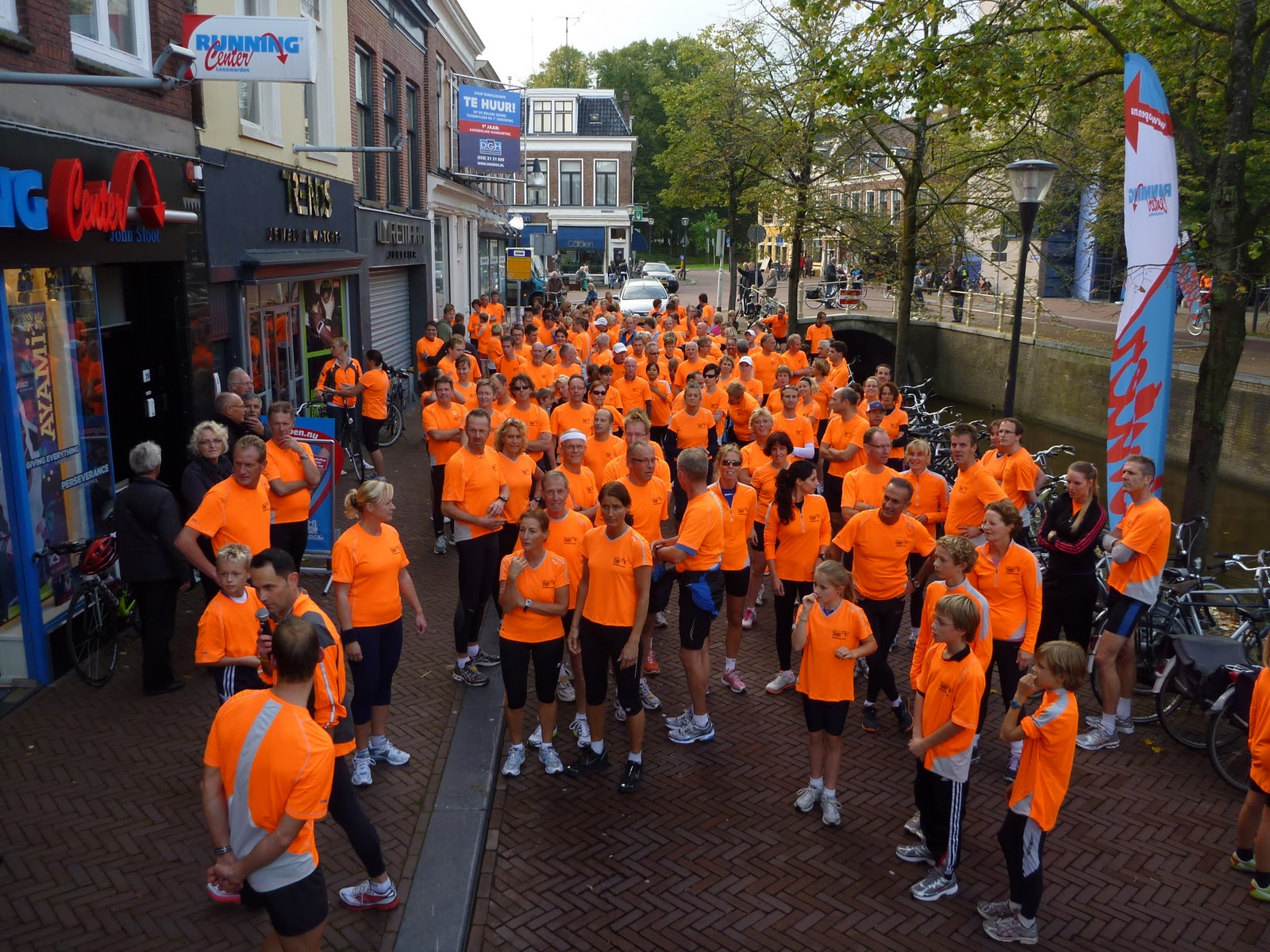 Nuts for sports: running center leeuwarden presents.... de saugony ...