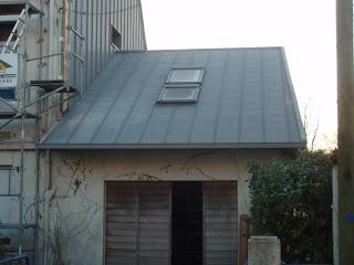 B timent brique toiture garage en zinc for Travail du zinc toiture
