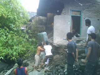 Dikira Gempa, Ternyata Tanah Longsor