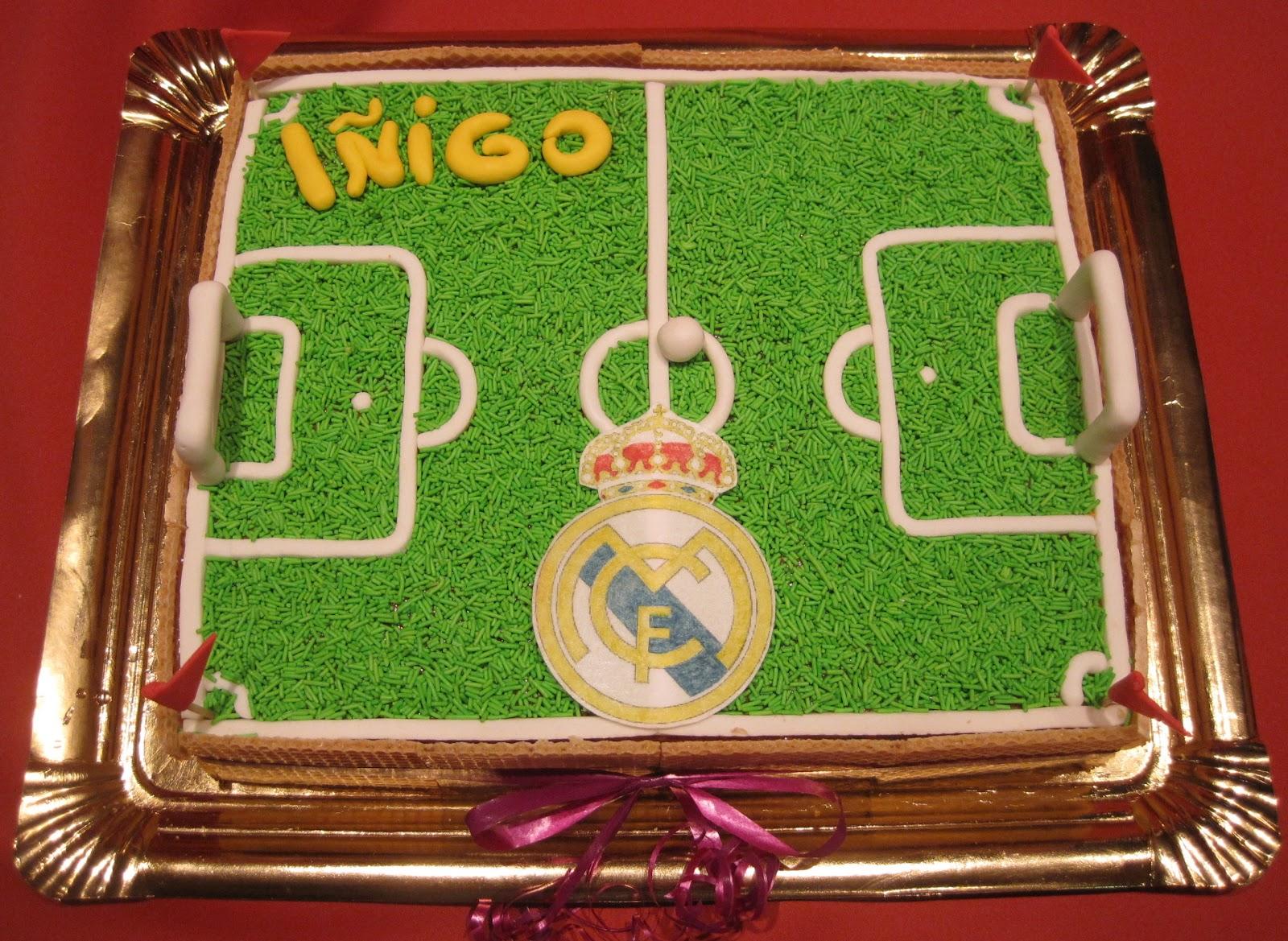 Real Madrid Una Tarta De Pleanos Muy Especial El Campo De Futbol De
