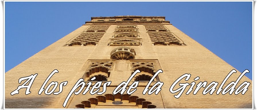 A los pies de la Giralda...