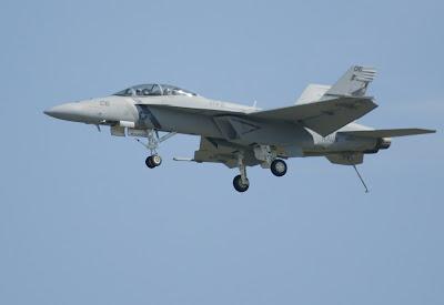 Caça F/A-18 Super Hornet.