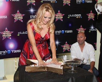 pamela anderson 110810 1 Pamela Anderson Takes Hollywood to Israel