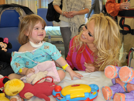 Pamela Anderson at Lievrpool hospital Pamela Anderson Visits Patients at Liverpool's Alder Hey Children's Hospital