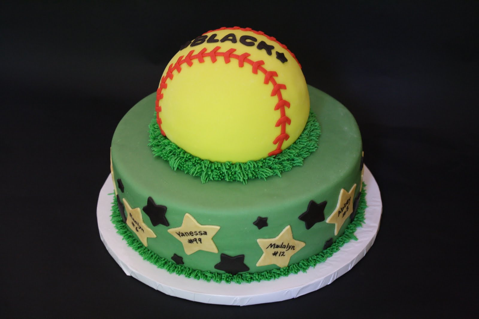 pictures of softball cakes