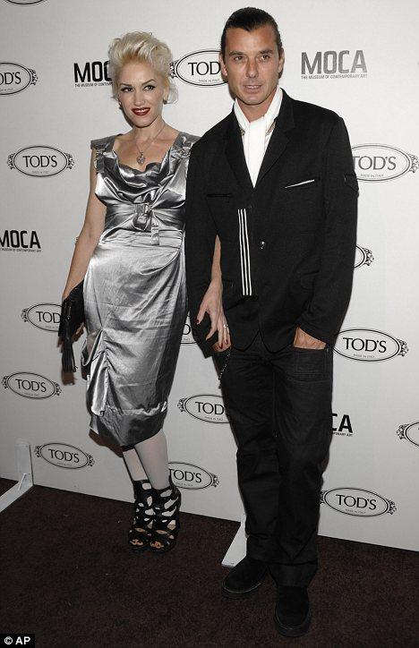 gwen stefani dresses. Silver streak: Gwen Stefani,