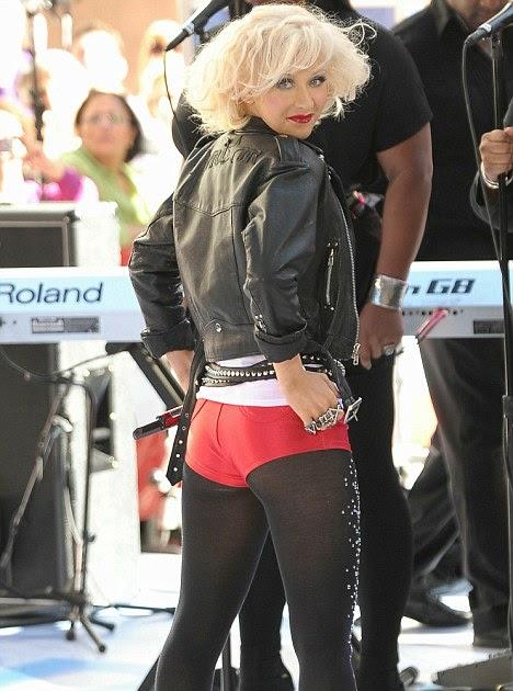 Cool Wfeeds Nice Hot Pants Christina Aguilera Shame About The Bad Make Up