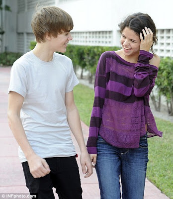 justin bieber selena gomez caribbean. So happy together: Justin and