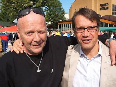 Herr partiledaren Göran Hägglund tillsammans med valarbetaren