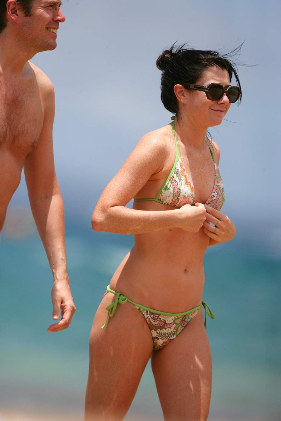 alyson hannigan nude on the beach