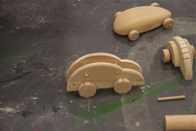 Örnek oyuncakların yapımı ve programın oluşturulması