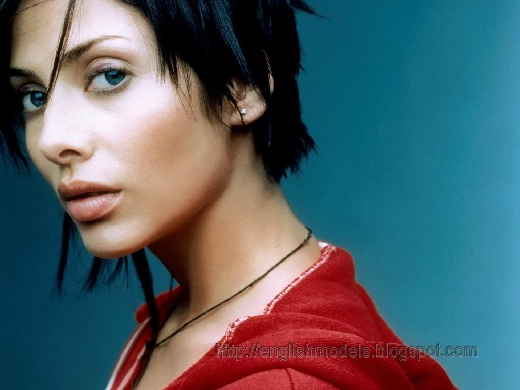 http://3.bp.blogspot.com/_tHaumj7GrMA/TNJaQlzYXwI/AAAAAAAAaos/bny8-PfbcVQ/s1600/Natalie_Imbruglia_12.jpg