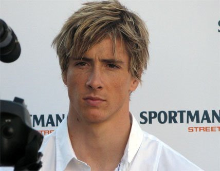 Fernando Torres Hairstyles With Blonde Layered And Fohawk Haircut Picture 5
