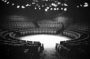 Theatre en Rond (L'Européen)