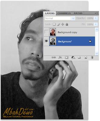 gambar:efek_foto_hologram_04.jpg