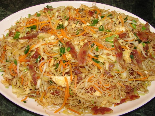 ... Homestyle stir fried rice vermicelli (chow mee hoon) 家常炒米粉