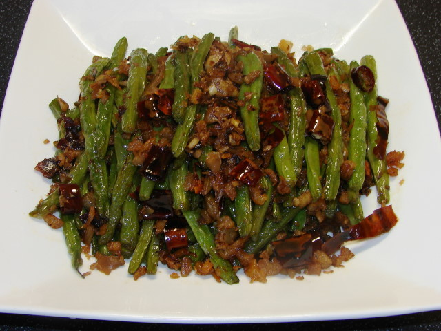 Sunflower Food Galore: Dry fried green beans 干煸四季豆