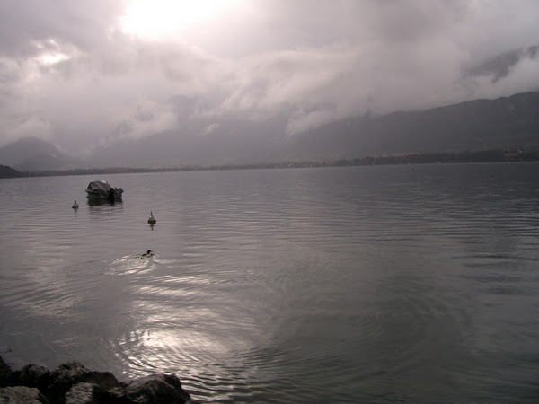 FRANCE - Lake Annecy / Dawn in Winter. / @JDumas