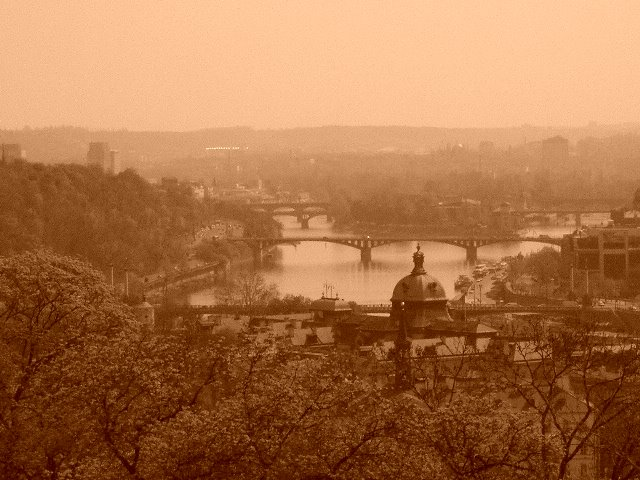 CZECH REPUBLIC:  Prague, the capital city, and the historic River Danube. / @JDumas