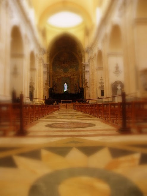ITALY: Main sanctuary within Catania, Sicily's Cathedral. / @JDumas