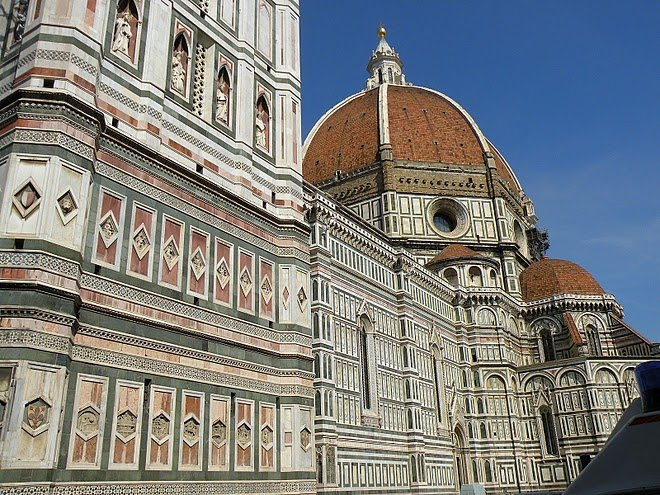 ITALY [Florence] THE DUOMO CATHEDRAL with the iconic dome by Brunelleschi. / @JDumas