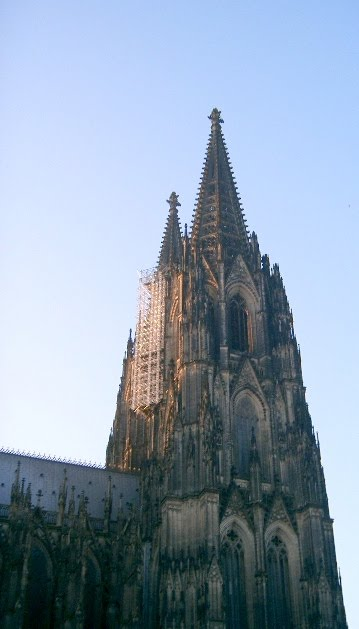 GERMANY - Facade of Cologne Cathedral. / @JDumas