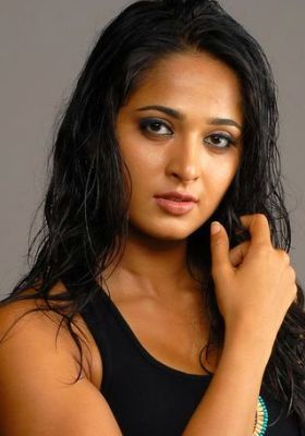 Anushka telugu movies hot and sexy images