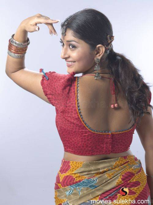 Meera jasmin  showing backside pic with out bra hot image gallery pic