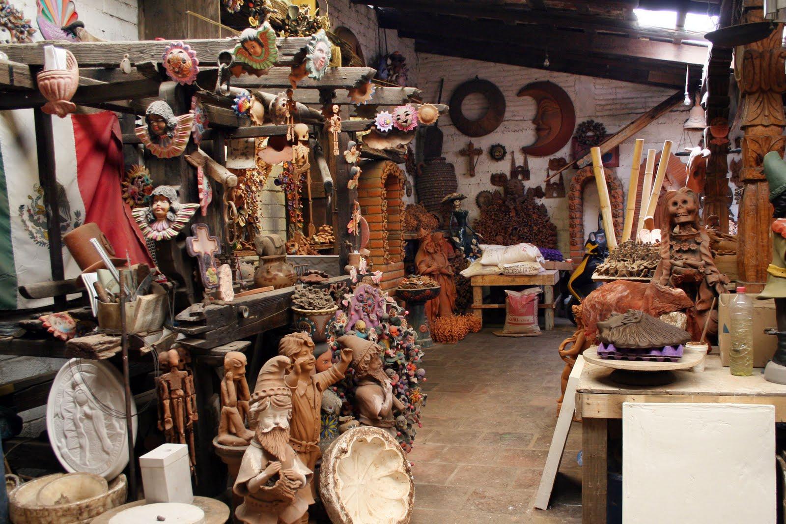 En la mira artesanos de metepec elaboran el arbol de la for Talleres artesanales