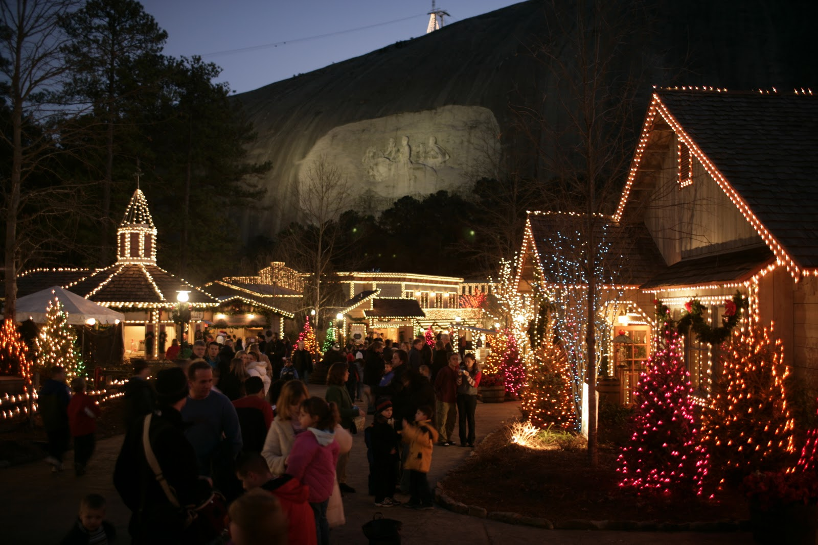 Stone Mountain Christmas Lights Up Atlanta's DeKalb County ...