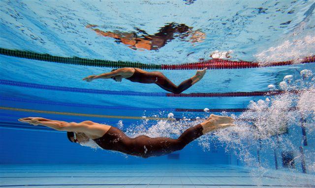 http://3.bp.blogspot.com/_tLEv5Tci0vM/SwXs6LlLHYI/AAAAAAAAAHA/LdbktBgoyXM/s1600/hungary_swimming_bis_77.jpg