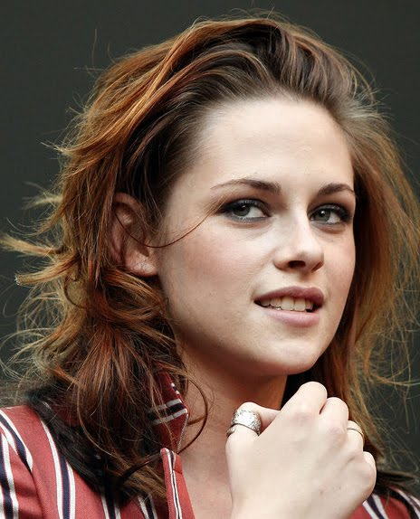 Kristen Stewart Long Wavy Hair Cuts